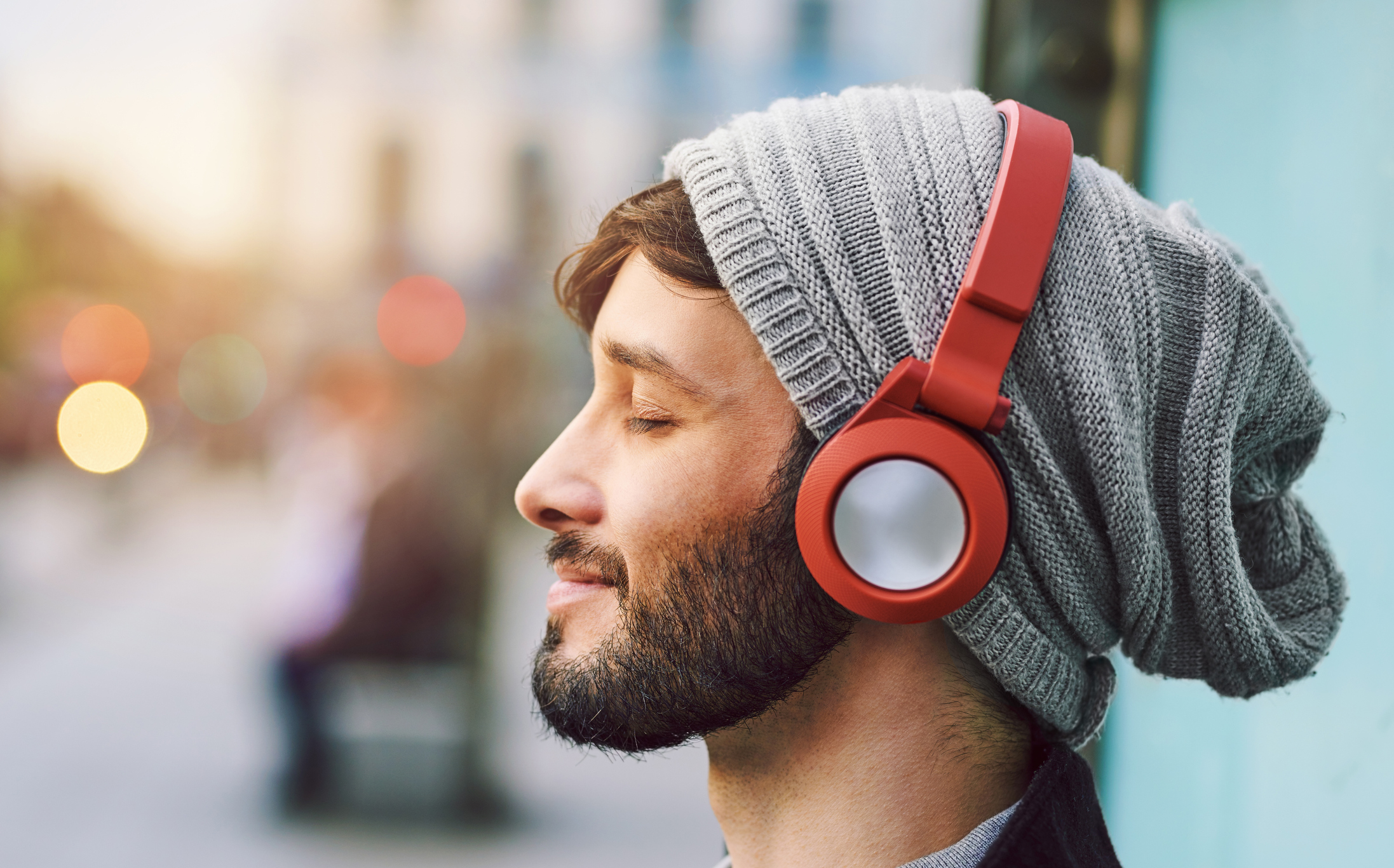 Man wearing wireless headphones